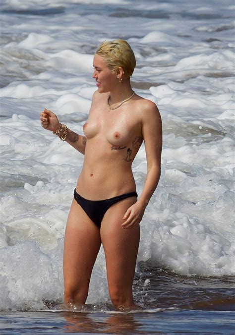 miley cyrus naked bra jpg 1121x1600